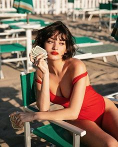 How to dress red swimsuit with short hair like Taylor LaShae – Photography, Landscape photography, Photography tips Swimsuit With Shorts, Red Swimsuit, French Haircut, Medium Hair Styles, Short Hair Styles, Taylor Lashae, Neue Outfits, Bikini Photos, Mannequins