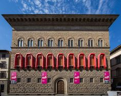 Ai Weiwei Wraps Florence's Palazzo Strozzi in Rubber Rafts for Powerful Installation About the Refugee Crisis - My Modern Met Panda, Street Art News, Wei Wei, Ai Weiwei, Secret Location, Refugee Crisis, Palazzo, Say Something, Outdoor Art