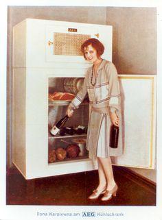 retro k hlschrank auf pinterest k chenbartheke und retro. Black Bedroom Furniture Sets. Home Design Ideas