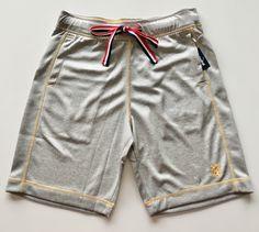 Gym Men, Bermuda Shorts, Fashion, Moda, Fashion Styles, Fashion Illustrations, Shorts