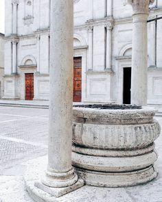 White visual in Pienza . . . #love . . .
