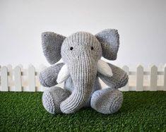 Free Elephant to Knit Pattern - Easy Elephant Knitting Pattern