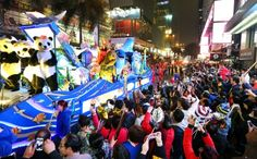 Tens of thousands flock to Hong Kong's annual Lunar New Year night parade  Crowds flock to watch the entertainment on Canton Road. Photo: SCMP Pictures