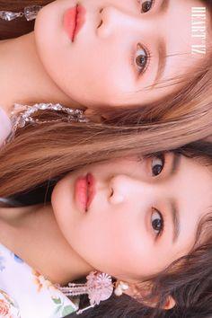 IZ*ONE (#아이즈원) - 2nd Mini Album [HEART*IZ] OFFICIAL PHOTO Violeta ver. UNIT CUT  #IZONE #アイズワン  #HEARTIZ #20190401_6PM Yu Jin, Japanese Girl Group, Kim Min, Korean Celebrities, Ulzzang Girl, Pose Reference, Kpop Groups, Album Covers, Mini Albums