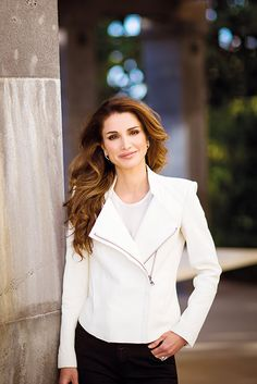 "Queen Rania de Jordania. ""It's a misconception that life just happens to you. Life is always what you make of it. Your life is a direct result of all your thoughts, choices and actions."" - Deodatta V. Shenai-Khatkhate"