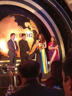 Aishwarya Rai Bachchan Looks Lovely As She Accepts Her 'Global Indian' Award | PINKVILLA