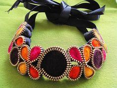 Felt Necklace  Zipper Necklace Statement por londicreations en Etsy, $85.00