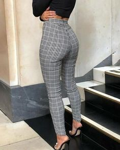 This is how you look classically like Serwaa Amihere for Plus Size & Curvy Ladies 2019 - Out . - This is how you look classically like Serwaa Amihere for Plus Size & Curvy Ladies 2019 – Outf - 30 Outfits, Casual Work Outfits, Mode Outfits, Work Attire, Classy Outfits, Chic Outfits, Fashion Outfits, Casual Pants, Ladies Outfits