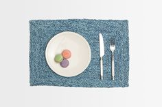 Zoey Place Mat #bluepheasant #dinnerware #plates #setthetable #tabletop #homedecor #entertaining #brunch #placemats #tableaccessories