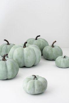 DIY Jade Pumpkins - Homey Oh My How to paint pumpkins to look more realistic. Pumpkin Crafts, Fall Crafts, Holiday Crafts, Holiday Decor, Diy Crafts, Pumpkin Face, Green Pumpkin, No Carve Pumpkin Decorating, Pumpkin Carving
