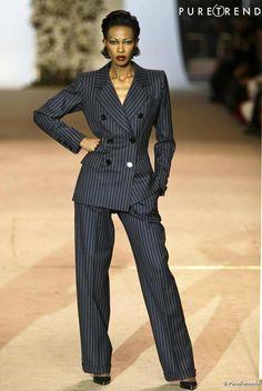 Yves Saint Laurent : Le Smoking pinstripe tuxedo at the YSL 2002 finale retrospective. Yves Saint Laurent, Vintage Ysl, Vintage Fashion, 90s Party Outfit, 90s Outfit, Runway Fashion, Fashion Outfits, Couture Fashion, Fashion Trends