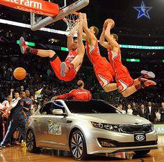 Blake Griffin dunks over KIA
