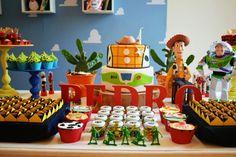 Venha se inspirar nesta linda Festa Toy Story.Apaixonada por tanta fofura.Imagens do site Invento Festa.Lindas ideias e muita inspiração.Bjs, Fabíola Teles.Mais ideias lindas: Invento Festa....