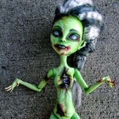 """Daeva"" Custom OOAK Venus McFlytrap zombie repaint by @ladyspoonart Available now at http://ladyspoonart.bigcartel.com/product/daeva"
