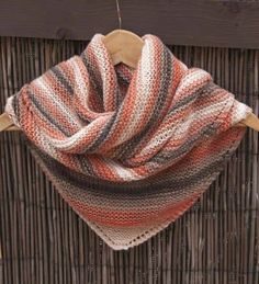 Chal tejido a punto bobo o punto santa clara Crochet Blocks, Crochet Patterns, Ravelry, Knit Crochet, Knitting, Sweaters, Outfits, Santa Clara, Shawls