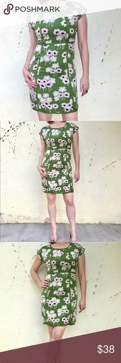 """BODEN SILK DRESS green floral sheath WHITE MIDI 6 Lovely! Fresh green and white floral print midi dress by BODEB. Silk fabric, delightful print! Pretty as can be. Zip side, fully lined. Quality made! US 6. Length is 36"""" long. (825) Boden Dresses Midi"""