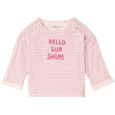 Shirt Elizabeth for girls by Noppies has all-over stripes and a playful summer text on its front. The sleeves have a print pattern. The shirt has press studs on both sides of the neck. This makes it easier to dress and change your little one. Kind Mode, Print Patterns, Arm, Graphic Sweatshirt, Stripes, Sweatshirts, Sleeves, How To Make, Sweaters