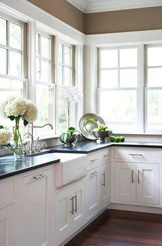 Farm house sink, no upper cabinets, black