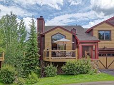 Sawmill Creek Village Breckenridge (Colorado) Situated in Breckenridge, this apartment is 400 metres from BreckConnect Gondola. The apartment is 500 metres from Snowflake Chair.  There is a seating area and a kitchen as well as a private bathroom.