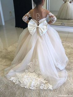 2018 Gorgeous Ball Gown Scoop Long Sleeve Lace White Flower Girl Dresses with Bow Flower Girl Dresses Country, Princess Flower Girl Dresses, Lace Flower Girls, Gowns For Girls, Little Girl Dresses, Girls Dresses, Bride Dresses, Champagne Flower Girl, First Communion Dresses