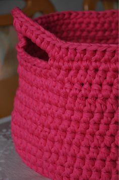 yarn basket, and i love the colour!