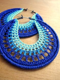 Artículos similares a Aros calados en azul en Etsy Supernatural Styl Crocheted Hoops by BohemianHooksJewelry on Etsy Hoop earrings in blue ombre, inspiration Free Crochet Instructions for Earrings How to Buy sell your used jewelry,jewelry and engagement Crochet Jewelry Patterns, Crochet Earrings Pattern, Easy Crochet Patterns, Crochet Accessories, Crochet Designs, Crochet Jewellery, Thread Crochet, Crochet Crafts, Crochet Stitches