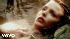 Music video by Nick Cave & The Bad Seeds/Kylie Minogue performing Where The Wild Roses Grow.