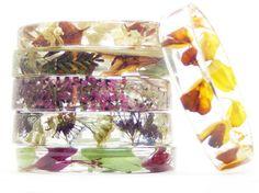【春ファッション】葉っぱや花びらのみずみずしい美しさにウットリ……本物の植物や貝殻をあしらったアクセサリー
