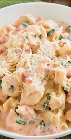 Creamy Spinach Tomato Tortellini, YUM!!!!