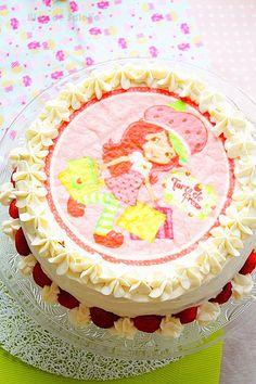 layer cake aux fraises ultra facile à réaliser .