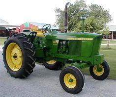 My tractor. Well, a cleaned up version of my tractor. It's fun! John Deere Garden Tractors, Jd Tractors, Vintage Tractors, Vintage Farm, John Deere 2010, Tractor Pictures, Mercedes G Wagon, John Deere Equipment, Classic Tractor