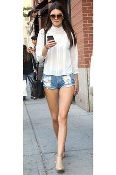How to get Kendall Jenner's Victorian blouse: Khloe Kardashian, Kardashian Kollection, Robert Kardashian, Fashion Articles, Fashion Tips For Women, Womens Fashion, Fashion Trends, Fashion Ideas, Boho Fashion