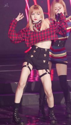 """Which Blackpink member's body is a """"goal"""" for you? OR J… – Mulher Bonita www. Blackpink Lisa, Jennie Lisa, Stage Outfits, Kpop Outfits, Blackpink Fashion, Korean Fashion, South Korean Girls, Korean Girl Groups, Lisa Black Pink"""