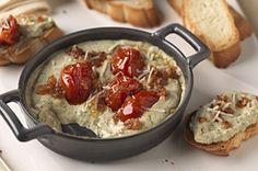 Pesto-Bruschetta Spread with Philadelphia Cooking Cream Bruschetta Spread Recipe, Kraft Recipes, Dip Recipes, Recipies, Crockpot Recipes, Yummy Recipes, Vegan Recipes, Yummy Appetizers, Kuchen