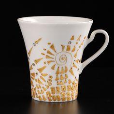 Kubek porcelanowy ręcznie malowany. Gotowy do podarowania. Autor projektu: Marzena Królikowska-Kukuła.