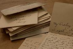 Letter writing- Art of Manliness.love this website! Brown Aesthetic, Aesthetic Vintage, Classy Aesthetic, Paradis Sombre, Art Public, Yennefer Of Vengerberg, Stefan Zweig, Art Of Manliness, Handwritten Letters
