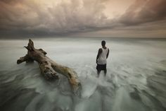 Waiting For The Last Boat Photo by Eladio Fernandez -- National Geographic Your Shot