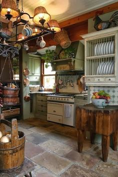 Eye For Design: Decorating The Rustic Kitchen #diyrusticdecor #rustichomedesign