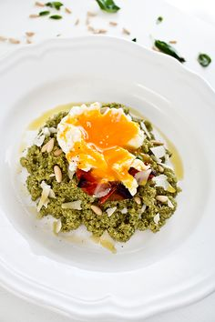 Discover recipes, home ideas, style inspiration and other ideas to try. Pesto Salad, Real Food Recipes, Vegetarian Recipes, Yummy Food, Healthy Recipes, A Food, Food And Drink, Veggie Dinner, Risotto