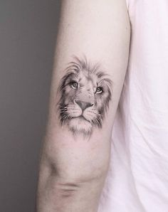 Latest Lion Tattoo Designs for Boys & Girls - Small Lion Tattoo, Lion Head Tattoos, Leo Tattoos, Bild Tattoos, Small Arm Tattoos, Trendy Tattoos, Couple Tattoos, Animal Tattoos, Body Art Tattoos