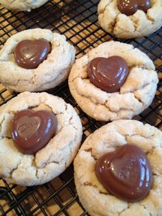 valentine snacks   Valentine treats - maybe use food coloring to make cookies pink