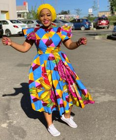 African Wear Dresses, Latest African Fashion Dresses, Ankara Fashion, African Print Fashion, African Traditional Wear, Traditional Outfits, African Design, Clothes Patterns, African Women