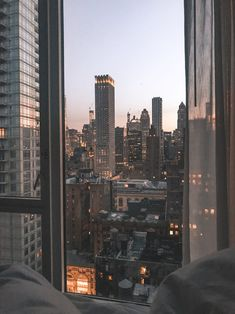 paisaje urbano wanderlust fondos 20 x NYC must dos for first-time visitors - Jenny Christina City Aesthetic, Aesthetic Rooms, Travel Aesthetic, Aesthetic Vintage, Artist Aesthetic, Aesthetic Outfit, Aesthetic Grunge, Building Aesthetic, Night Aesthetic