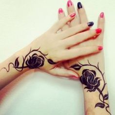Love this flower rose henna design looks sooo beautiful and amazing my…