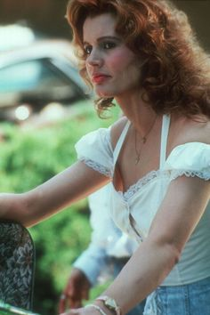 As Thelma & Louise celebrates its 25th anniversary, we look to Geena Davis and Susan Sarandon for style inspiration