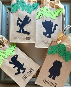 Make your Where the Wild Things Are theme party awesome till the last minutes with these favor bags! Spent hours creating this design so you can present your gifts/goodies in a simple and stylish way! It will wrap up your party with another Wow! Each set will come with four different