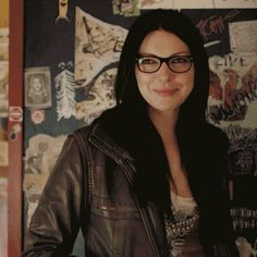 Alex Vause Smile Orange is the new black Laura Prepon lesbienne