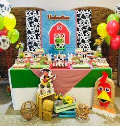 Violeta Glace 's Birthday / Farm - Photo Gallery at Catch My Party Farm Birthday, Birthday Party Themes, Candy Bar Party, Cowboy Party, Farm Party, Farm Theme, Ideas Para Fiestas, First Birthdays, Hessa