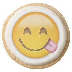 Face Savouring Delicious Food Emoji Round Premium Shortbread Cookie