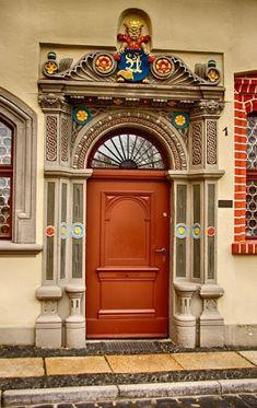 A Jurubeba Cultural: ●Uma visão de Arte... Uma porta.                                                                (Görlitz, Saxony. Alemanha).